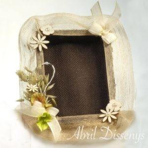 Bandeja porta arras de boda con yute