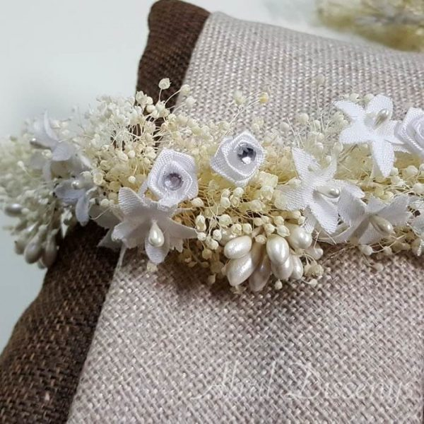 Tiara flores blanca y pistilos