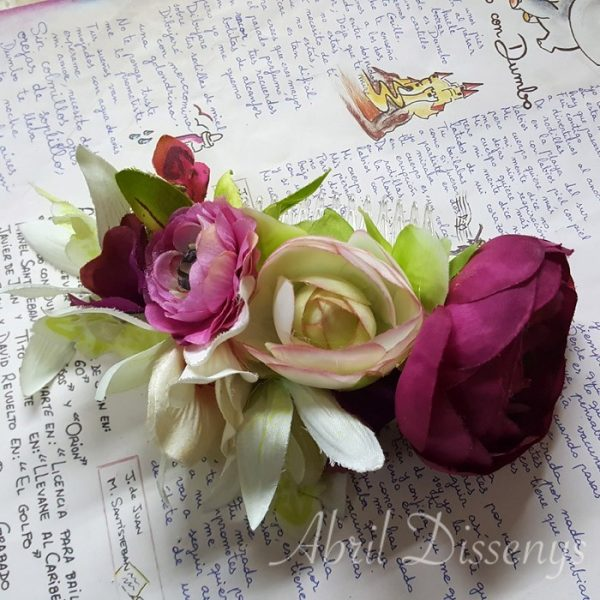 Tocado de flores del campo