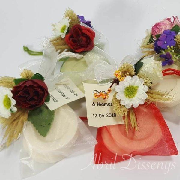 Bolsa con jabón y flor surtida Eunice