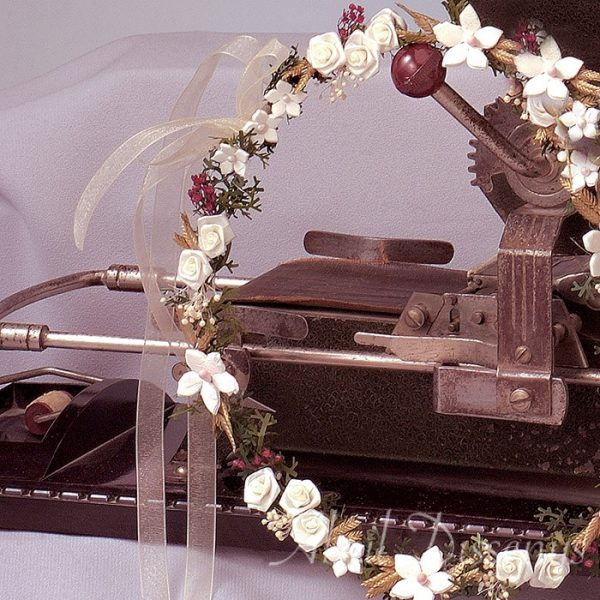 Corona de Flor de Porcelana Silvia