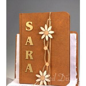 Libro hecho a mano adornos de madera