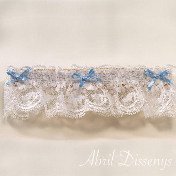 Liga blanca con tres lazos Azules