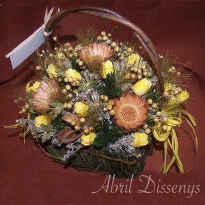Cesta con flor seca lino y protea Rossette