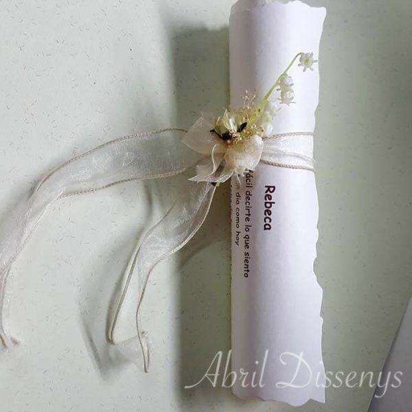 Pergamino con poema y flor Muguet