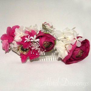 Tocado de flores y peonias