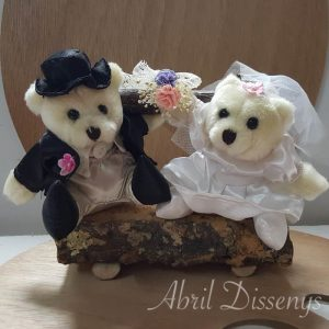 Novios peluche tarta boda en banco de madera
