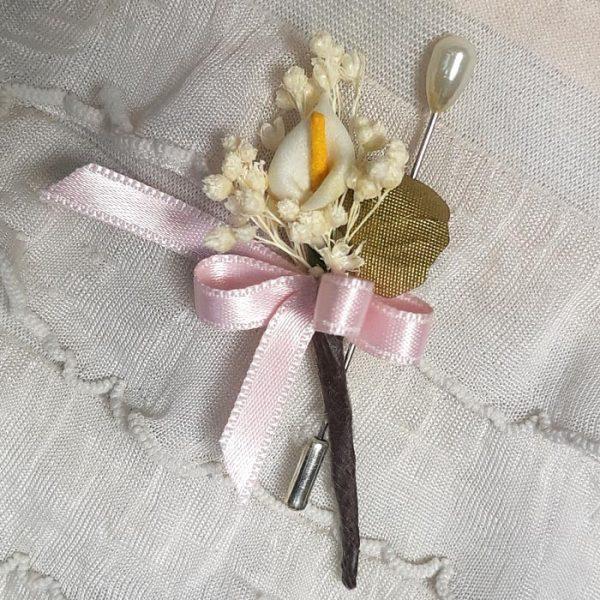 Alfiler flor seca y cala blanca