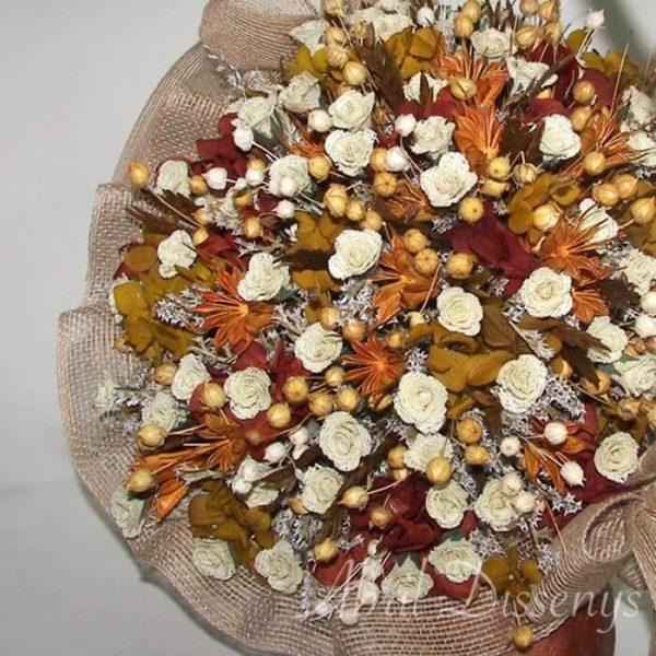Cesta de flor seca preservada y 85 rosas de yute