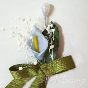 Alfiler flor seca y cala azul lazo personalizado