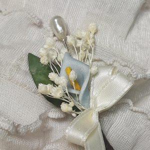 Alfiler flor seca y cala azul