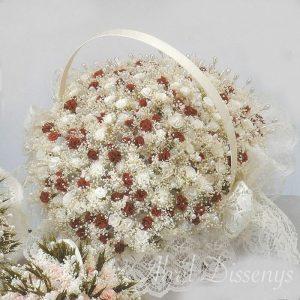 Cesta con 100 claveles y flor seca personalizado