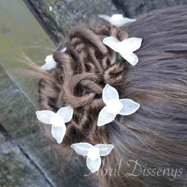 Horquillas de flores en el pelo
