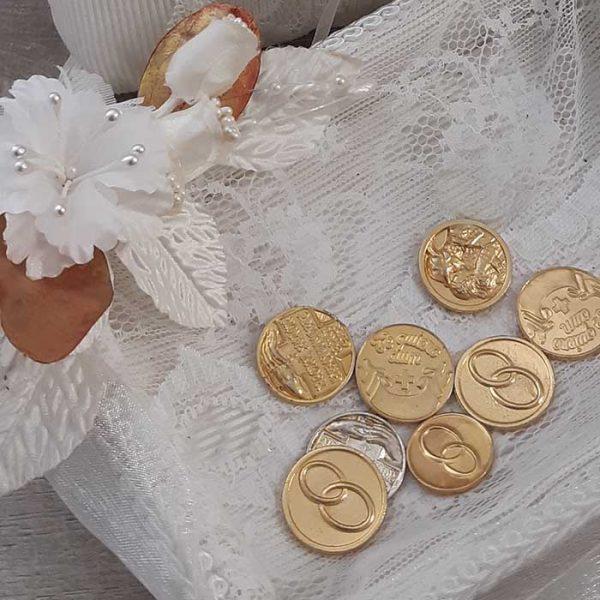 Bandeja para llevar las arras de boda con flor mónica