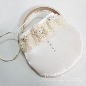Bolso con encaje de hilo flor y perlas