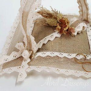 Cesta anillos flor seca arena