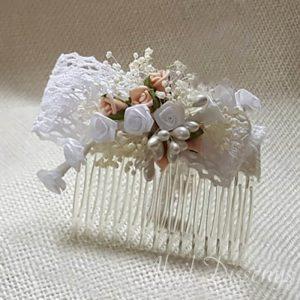 Peineta lazo con paniculata y rosas
