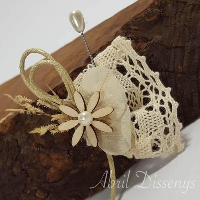 Alfiler margarita madera encaje hilo