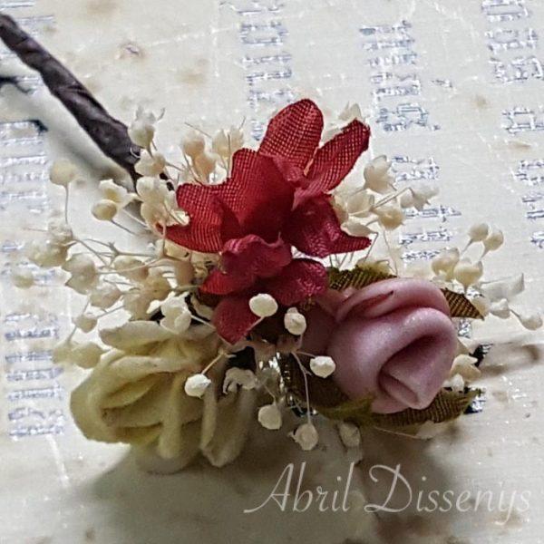 Pin de flores para el pelo colección Nerea presentado en set de 3 unidades