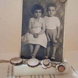 Porta fotos 9 x 13 madera a la tiza y rodajas nombres