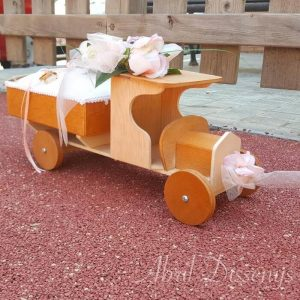 Camión porta alianzas con rosas personalizado