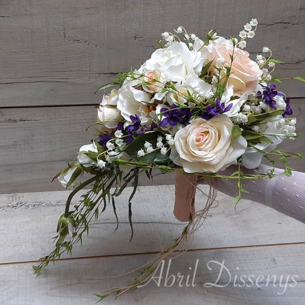Ramo novia forma gota violeta
