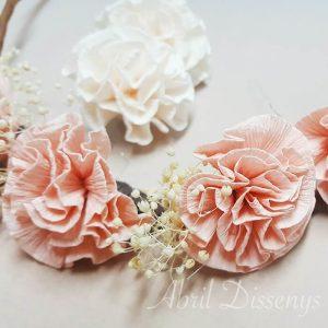 Media corona flores claveles