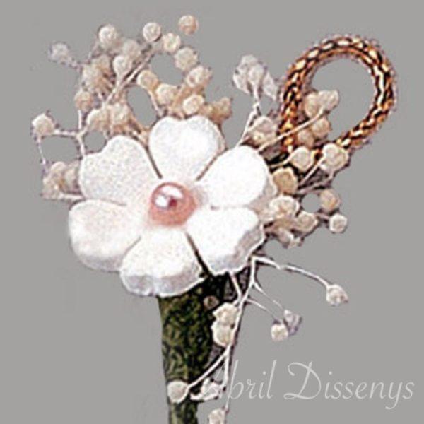 Pin de flores con trébol y cordón de lamé oro