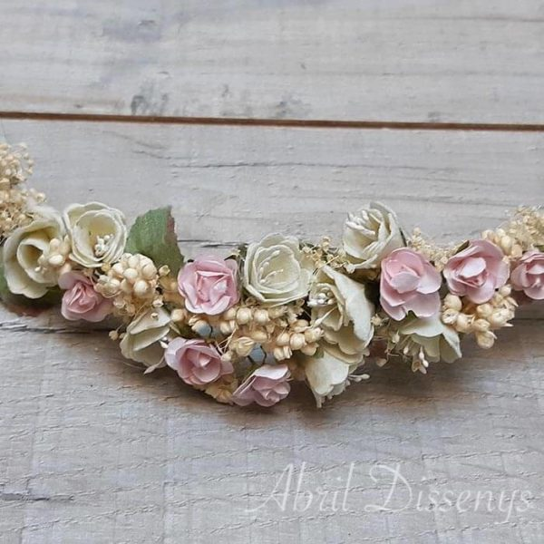 Corona forma tiara flor campanillas rosa cava