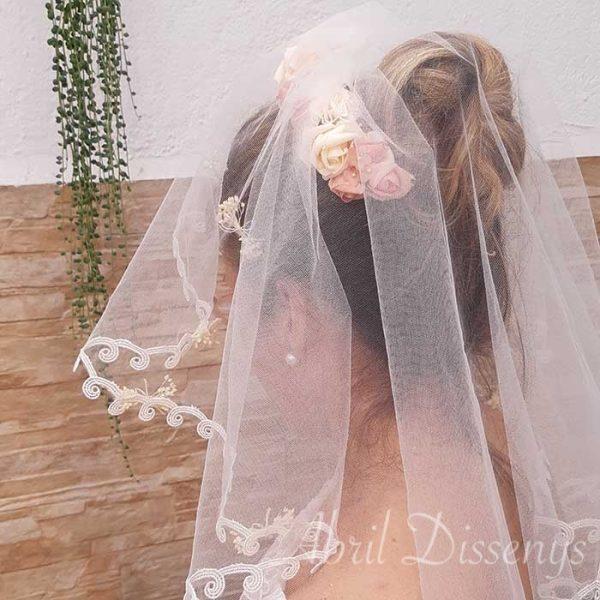 Velo corto de novia con tiara de flores Arlet