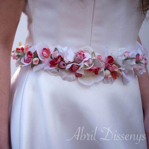 Cinturón de Flores Secas de Tella