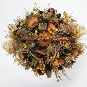 Cesta de flores secas y proteas