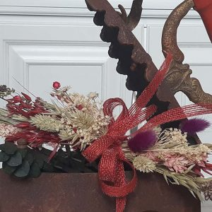 Plancha de hierro antigua con flores