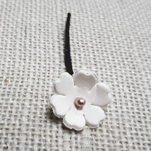 Flor de porcelana en trébol de 5 hojas para el pelo