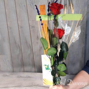 Dos Rosas Rojas Preservadas y Estructura.