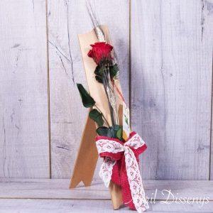 Rosa de Sant Jordi con Atril