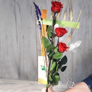 Tres Rosas Rojas Preservadas y Estructura